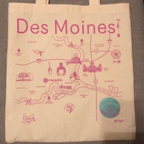 Handbags - Des Moines canvas tote bag